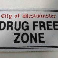 Carteles: PLACA CARTEL ESMALTADO PORCELANA DRUG FREE ZONE INGLATERRA. Lote 137403606