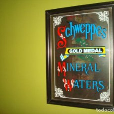 Carteles: ESPEJO PUBLICIDAD SCHWEPPES GOLD MEDAL MINERAL WATER 45 CM X 62 CM. Lote 138065146