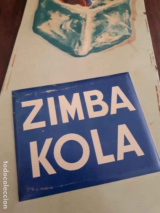 Carteles: Chapa Zimba Kola Trés Frais. Metálica. Original años 50s. Africana. Relieve. Competencia Coca-Cola - Foto 3 - 115410979