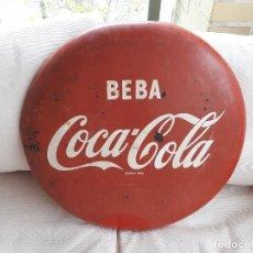Carteles: CHAPA BEBA COCA-COLA DISCO 44. FONTCUBERTA. ORIGINAL DE 1968. Lote 114709143