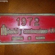 Carteles: CHAPA PLACA MACOSA MATERIAL Y CONSTRUCCIONES S.A. VALENCIA FERROCARRIL TREN LOCOMOTORA RENFE. Lote 143259445