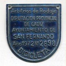 Carteles: SAN FERNANDO -CADIZ- CHAPA ARBITRIO DE RODAJE DE BICICLETA AÑO 1972. Lote 146319694