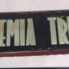 Carteles: PLACA DE ENTRADA EN CRISTAL DE LA ACADEMIA TRIUNFO. Lote 147543778