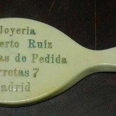 Carteles: ESPEJO DE PUBLICIDAD DE LA JOYERIA ALBERTO RUIZ, PULSERAS DE PEDIDA, CALLE CARRETAS 7, MADRID, MIDE . Lote 147822902