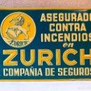 Carteles: ANTIGUA CHAPA DE SEGUROS ZURICH -LITOGRAFIADA EN RELIEVE ASEGURADO CONTRA INCENDIOS - COMO NUEVA. Lote 148827786