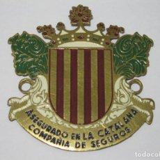 Carteles: PLACA DE ASEGURADO EN LA CATALANA COMPAÑÍA DE SEGUROS - TAMAÑO 6.5X6.3 CM.. Lote 154170338