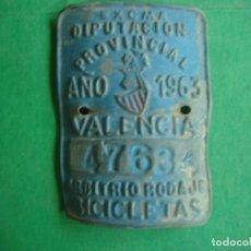 Carteles: CHAPA BICICLETA PROVINCIAL ARBITRIO VALENCIA 1963. Lote 157353628