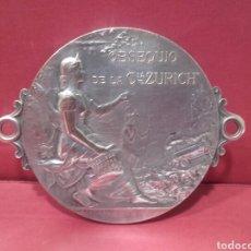 Carteles: ANTIGUA PLACA DE PUBLICIDAD CIA DE SEGUROS ZÚRICH, PLATEADA Y FIRMADA F. P. LASSERRE. Lote 161379736