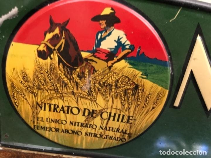 Carteles: Chapa Nitrato de Chile. Se vende Aquí (69,5X16,5 cms). Años 1930s. Muy rara. - Foto 8 - 111528375