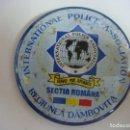 Carteles: CHAPA DE ALFILER DE INTERNATIONAL POLICE ASSOCIATION . Lote 165875610