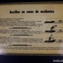 Carteles: LETRERO AUXILIOS EN CASOS DE ACCIDENTES. Lote 167844048