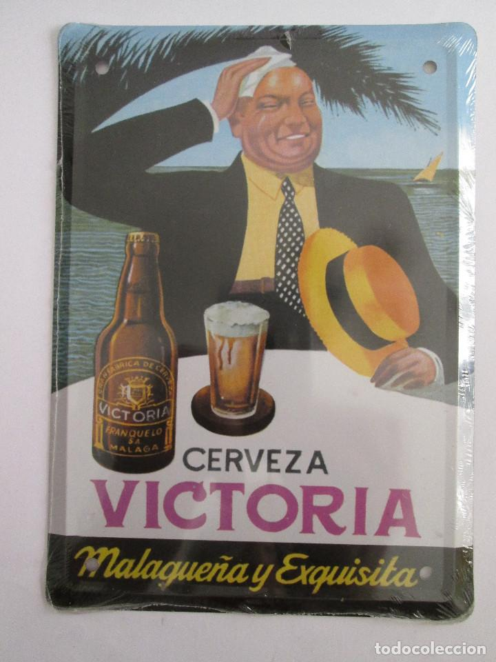 CERVEZA VICTORIA - MALAGA - CHAPA METALICA COLECCION ANUNCIOS DE TU VIDA 17,5X12,5 CM PRECINTADA (Coleccionismo - Carteles y Chapas Esmaltadas y Litografiadas)