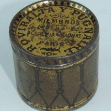 Carteles: PRECIOSA CAJA EN FORMA DE TAMBOR CON PUBLICIDAD DE FARMACIA, ROVIRALTA Y PUGNAIRE, POMADA UNIVERSAL . Lote 168917616