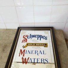 Carteles: SCHWEPPES - VINTAGE ESPEJO ESMALTADO MINERAL WATERS . GOLD MEDAL. Lote 169290880