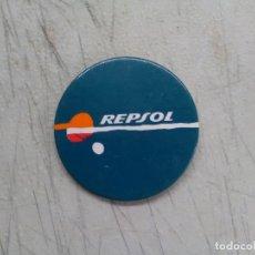 Carteles: CHAPA REPSOL. Lote 175790799