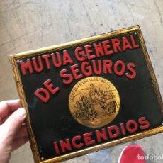 Carteles: ANTIGUA PLACA DE CHAPA MUTUA GENERAL DE SEGUROS INCENDIOS LITOGRAFIADA. Lote 179543956