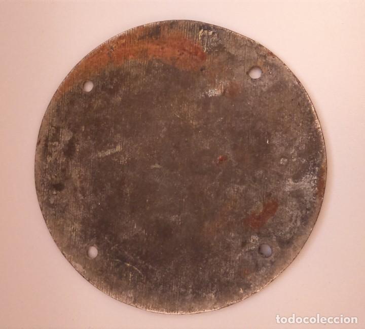 Carteles: Fantástica placa metálica con letras en relieve. Clave, Arcas Matths. Gruber, Bilbao. - Foto 2 - 183596413