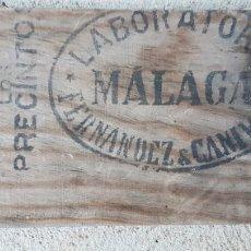 Carteles: CARTEL MADERA LABORATORIO FERNANDEZ CANIVELL MALAGA ZXY. Lote 186420195