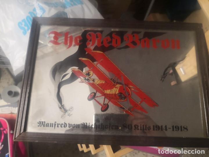 CARTEL ESPEJO DE PUBLICIDAD THE RED BARON MANFRED VON RICHTHOFEN 80 KILLS 1914/15 + AVIÓN LATA (Coleccionismo - Carteles y Chapas Esmaltadas y Litografiadas)