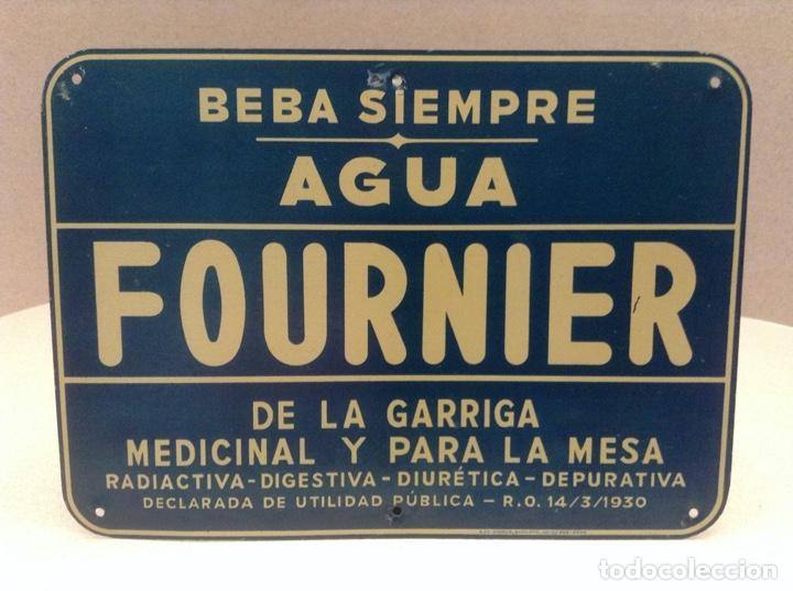 PEQUEÑA CHAPA PUBLICITARIA AGUA FOURNIER (Coleccionismo - Carteles y Chapas Esmaltadas y Litografiadas)