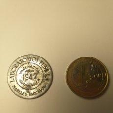 Carteles: TASA PERROS ANTIRRABICA LABORATORIOS FUNK MANLLEU BARCELONA 1947 RARISIMA MUNICIPAL. Lote 195353348