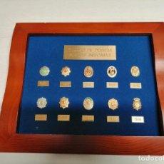 Carteles: MARCO 10 PLACAS INSIGNIA DE LA POLICIA NACIONAL MEDIDAS CON MARCO 30 X24 CM. Lote 197953072