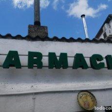 Carteles: FARMACIA LETRERO LETRAS CORPOREAS CON NEON BASE METALICA FRONTAL METRAQUILATO FUNCIONA. Lote 175405125