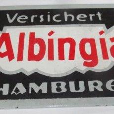 Carteles: ANTIGUA PLACA DE PORCELANA ESMALTADA DE LA COMPAÑIA DE SEGUROS ALBINGIA HAMBURG ALEMANIA AÑOS 30. Lote 200640902