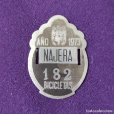 Carteles: ANTIGUA CHAPA - MATRICULA DE BICICLETA DE NAJERA. Nº182. AÑO 1973. PLACA.. Lote 205391326