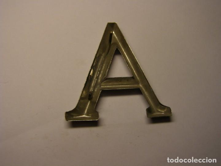 Carteles: Letra metálica A para poner inscripciones sobre piedra, madera, o metal. - Foto 2 - 206839166