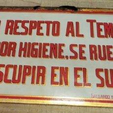 Carteles: CHAPA ORIGINAL NO ESCUPIR EN EL SUELO EN EL TEMPLO,ESMALTADA,LIT.GALLARDO Y NUÑEZ, SEVILLA,345X175MM. Lote 210182420
