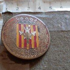 Carteles: PLACA CIRCULAR PARA COCHE O MOTO CON IMAGEN DEL ESCUDO DE LERIDA - ALGO MENOS DE 4 CM.. Lote 288549768