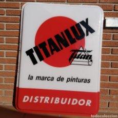 Carteles: GRAN PANEL DE CARTEL TITANLUX, TITAN, LA MARCA DE LAS PINTURAS. Lote 219965915