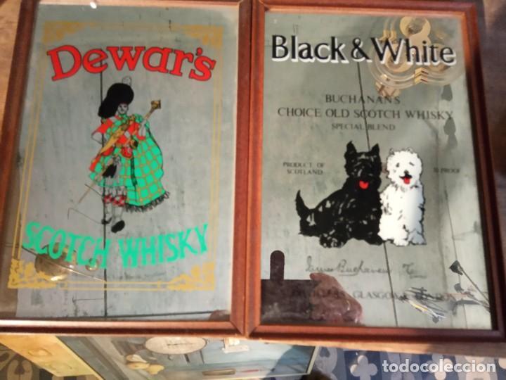 Carteles: BLACK & WHITE ** DEWARS - DOS CUADROS ESPEJO PUBLICITARIO - Foto 2 - 222587737
