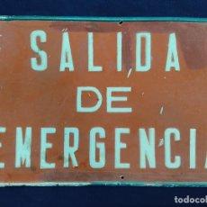 Cartazes: ANTIGUA CHAPA SALIDA DE EMERGENCIA 50 X 36 CM. Lote 225277026