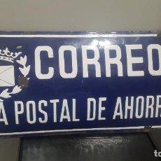 Carteles: CHAPA CORREOS CAJA POSTAL DE AHORROS ABOMBADA 15X45 APROXIMDAMENTE. Lote 244428900