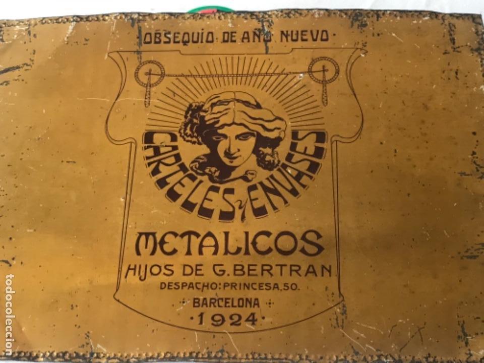 Carteles: ANTIGUA CHAPA PUBLICITARIA TROQUELADA - CARTELES Y ENVASES METÁLICOS HIJOS DE G. BERTRAN- 1924. - Foto 5 - 253428245