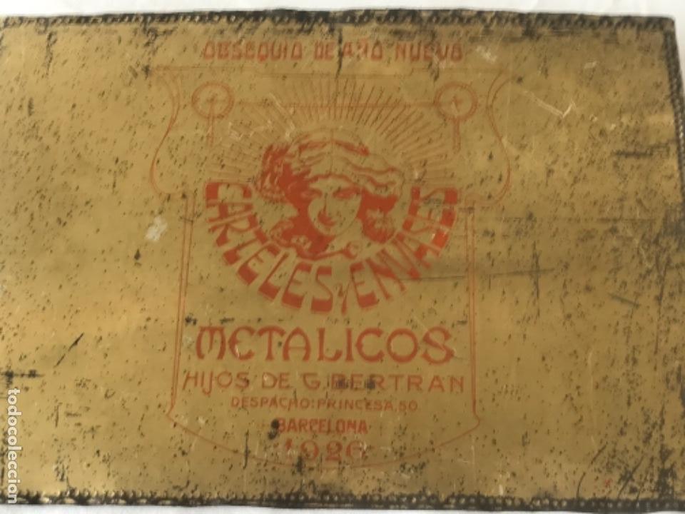 Carteles: ANTIGUA CHAPA PUBLICITARIA TROQUELADA - CARTELES Y ENVASES METÁLICOS HIJOS DE G. BERTRAN- 1926 - Foto 4 - 253428350