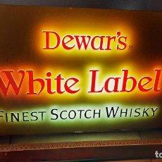 Carteles: ANTIGUO CARTEL LUMINOSO SCOTCH WHISKY DEWAR'S WHITE LABEL FINEST BAR PUB DECORACION 51×31×9. Lote 261297480