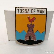 Carteles: PLACA METAL LATON ESMALTADO, AÑOS 60, PARA COCHES, TOSSA DE MAR, (8X6 CM). Lote 266118973