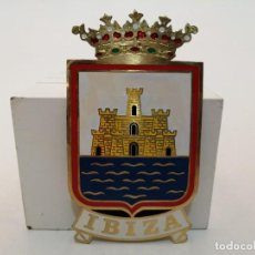 Carteles: PLACA METAL LATON ESMALTADO, AÑOS 60, PARA COCHES, IBIZA, (11X6). Lote 267629254