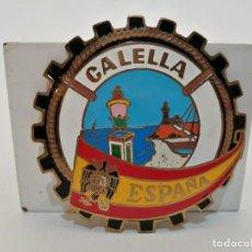 Carteles: PLACA METAL LATON ESMALTADO, AÑOS 60, PARA COCHES, CALELLA, (8 CM DIAMETRO). Lote 267634439