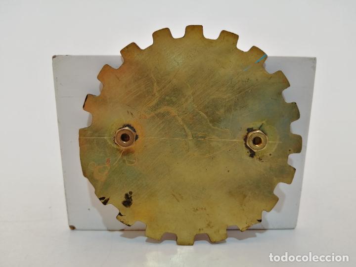Carteles: PLACA METAL LATON ESMALTADO, AÑOS 60, PARA COCHES, CALELLA, (8 CM DIAMETRO) - Foto 2 - 267634439
