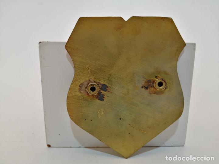 Carteles: PLACA METAL LATON ESMALTADO, AÑOS 60, PARA COCHES, CALELLA, (8,5X7) - Foto 2 - 267634694