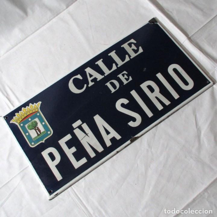 CHAPA ORIGINAL DE LA CALLE DE MADRID PEÑA SIRIO (Coleccionismo - Carteles y Chapas Esmaltadas y Litografiadas)