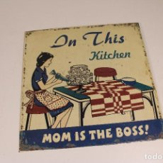 Carteles: CHAPA METAL ON THIS KITCHEN NOM IS THE BOSS¡. Lote 277419083