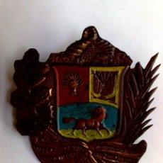 Carteles: CHAPA REPÚBLICA DE VENEZUELA (7,5CM. X 6,5CM.). Lote 289721068