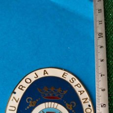 Carteles: CHAPA CRUZ ROJA ESPAÑOLA SOCORRISTA ACUATICO. Lote 289735633