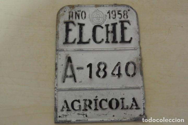 MATRICULA DE CARRO A, 1840 AÑO 1958, ELCHE (Coleccionismo - Carteles y Chapas Esmaltadas y Litografiadas)