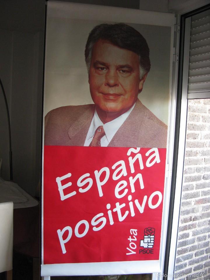 Carteles Políticos: CARTELÓN EN PLÁSTICO 80 X 174 CM. VOTA PSOE. ESPAÑA EN POSITIVO. ELECCIONES 1996. - Foto 2 - 57360607
